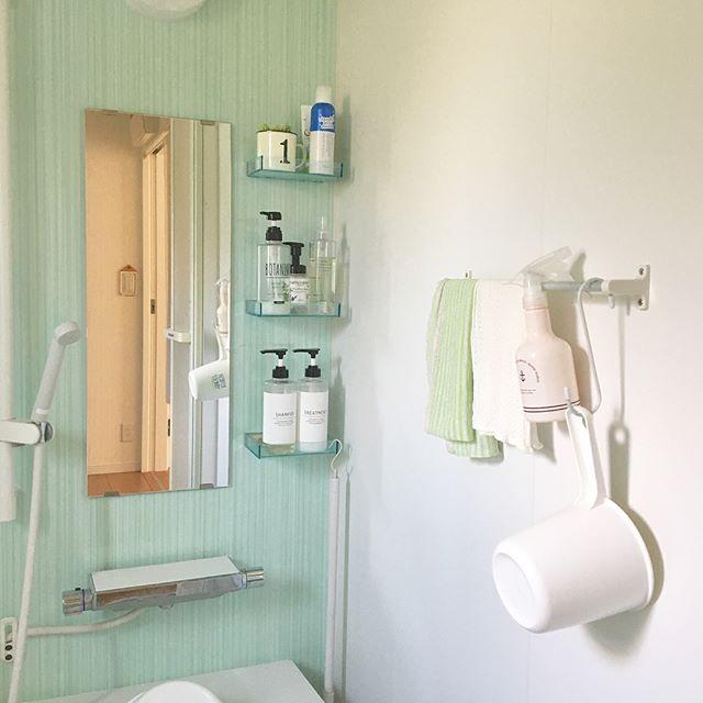 ミントグリーンのお風呂の壁