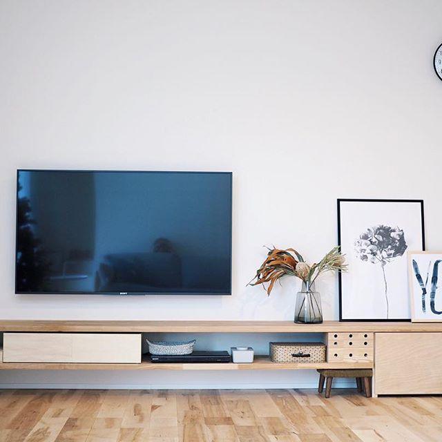 壁面収納にTVボードを合わせる2