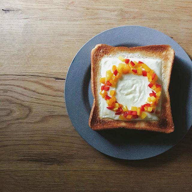 朝ごはんに食パン2