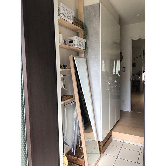 隙間を活用した玄関収納アイデア2