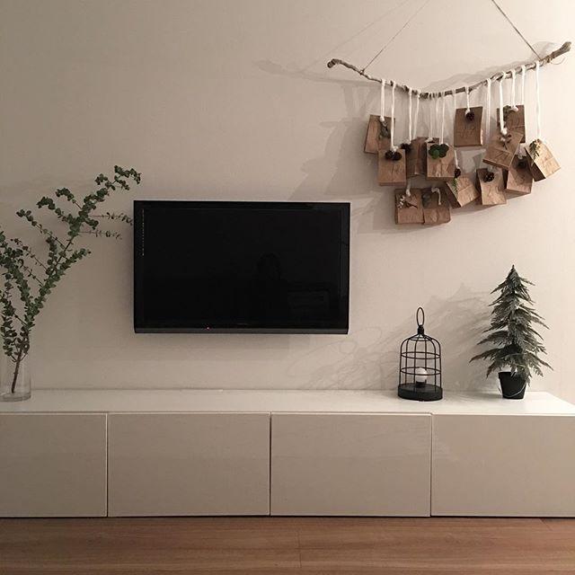 TVボードと合わせた壁掛けTV2