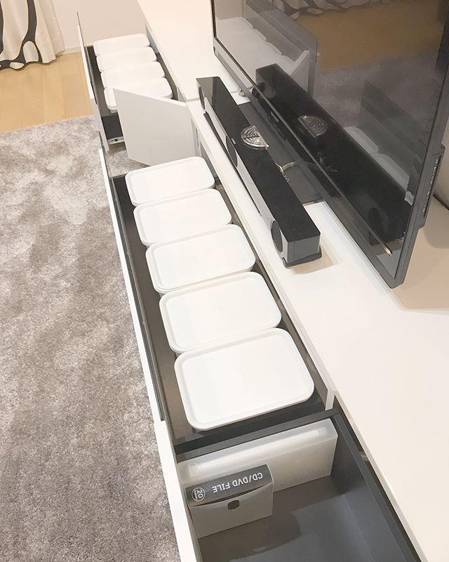 テレビボード・リビングクローゼットの収納アイデア2