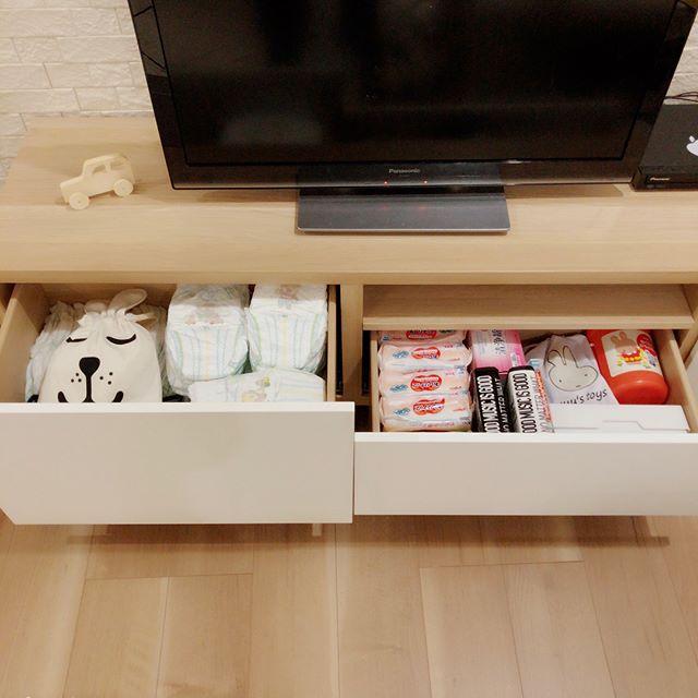 テレビボード・リビングクローゼットの収納アイデア3