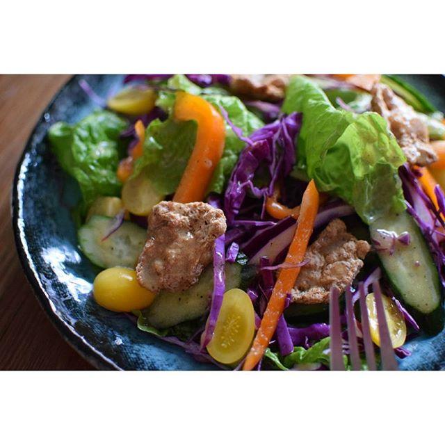 彩り豊かなサラダのコツ