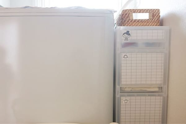 洗濯機横の収納2