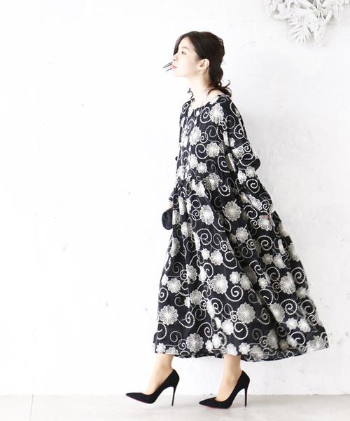 [cawaii] 渦巻く花刺繍ワンピース