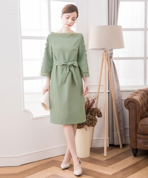 [DRESS STAR] デコルテ刺繍レースフェミニンワンピースドレス