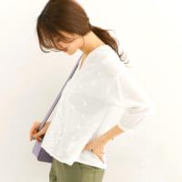 爽やかで清涼感たっぷり♪大人女子の洗練「白シャツ&ブラウス」春スタイル15選!