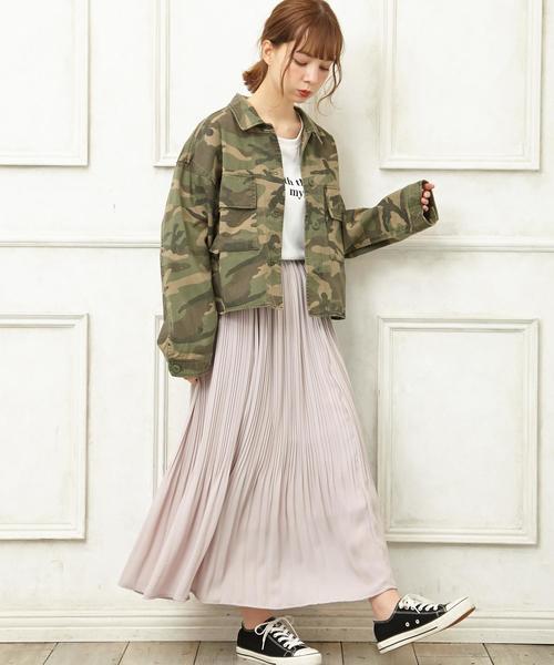 カジュアルなジャケット×スカート