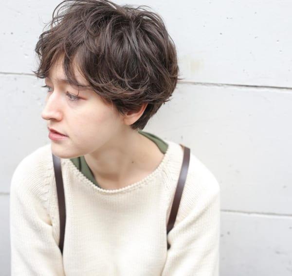 30代におすすめの前髪スタイル①ショート 前髪あり ニュアンスショート