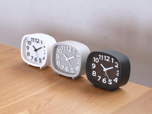 モノトーン目覚まし時計・ダイソー2