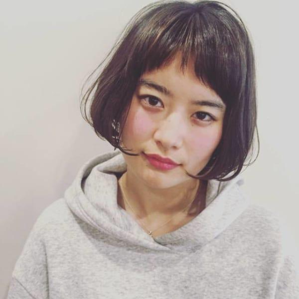 黒髪×ショートボブストレート 丸顔2