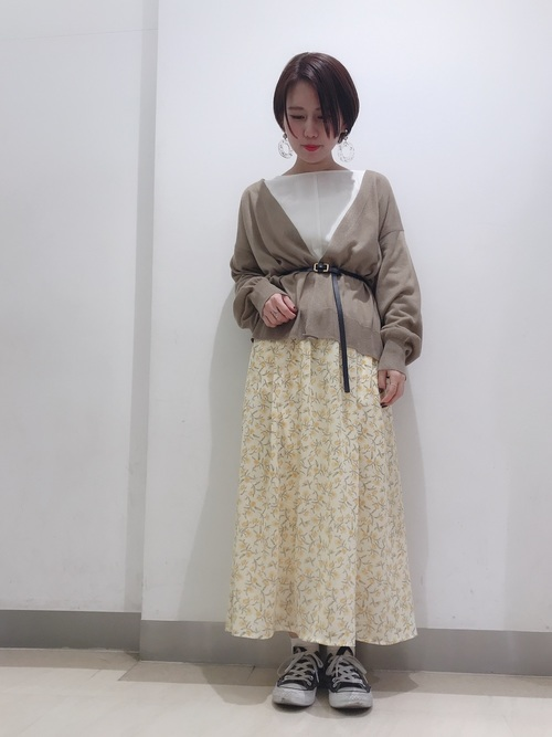 初秋 気温26度 服装 スカートスタイル2