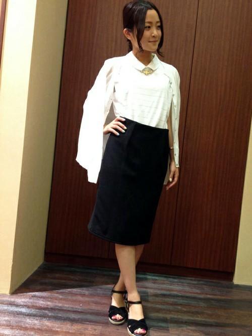 ポロシャツ×タイトスカートコーデ