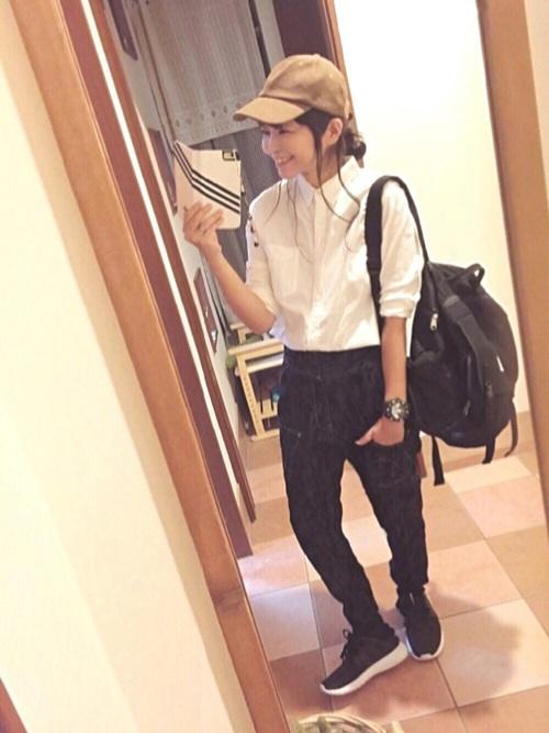 白シャツを合わせたボーイッシュスタイル