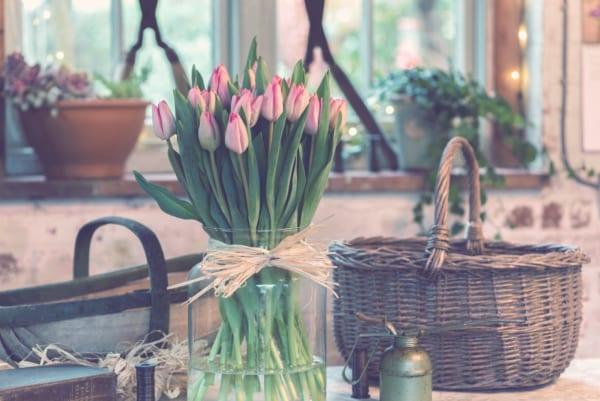 ピンクの生花を美しくあしらう10のアイデア4