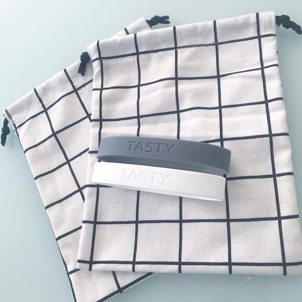 セリアのグラフチェック柄巾着袋