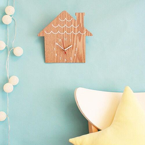 ハウス型の時計
