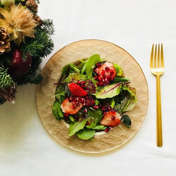 いちごとザクロのクリスマスサラダ