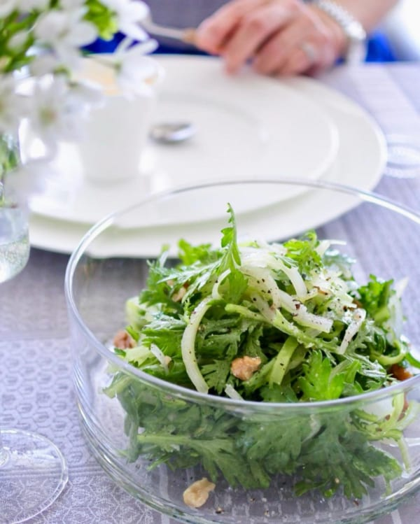 春菊とセロリのクセ者サラダ