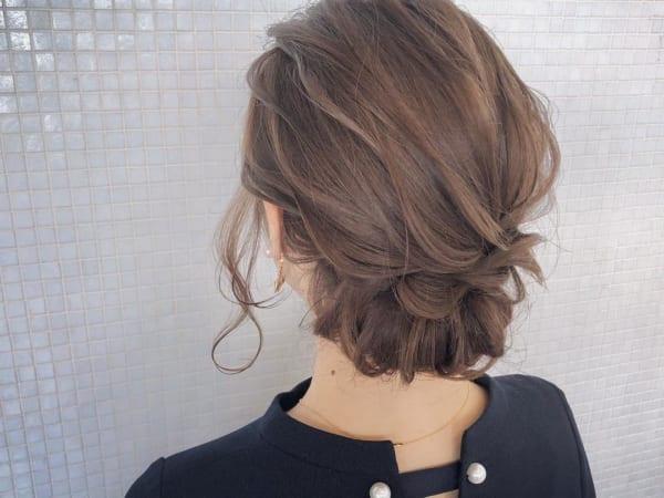 ミディアムのまとめ髪②シニヨン3