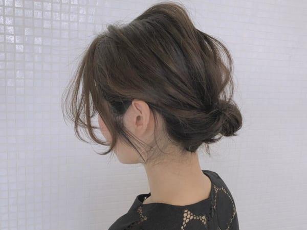 ミディアムのまとめ髪②シニヨン5