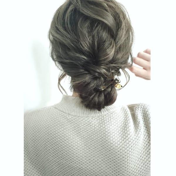 ロングヘアのまとめ髪②シニヨン2