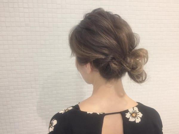 ミディアムのまとめ髪②シニヨン6