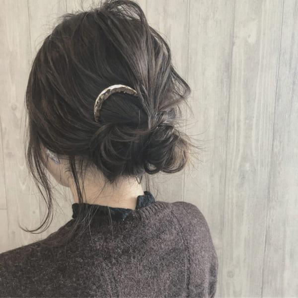 ロングヘアのまとめ髪②シニヨン4