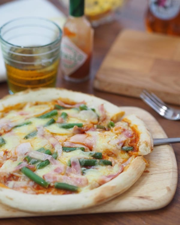 お好みトッピングのピザ2