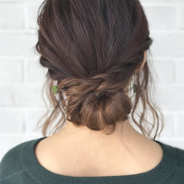 ロングヘアのまとめ髪②シニヨン5