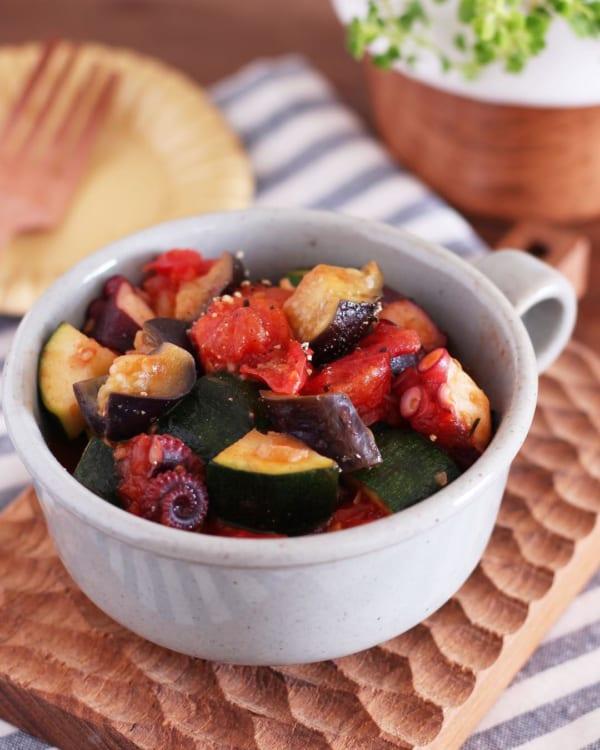 タコとたっぷり夏野菜のトマト煮