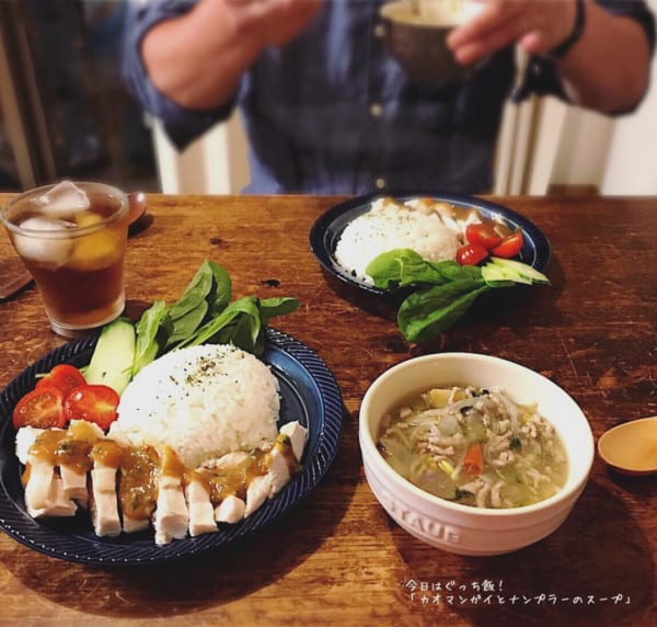 カオマンガイとナンプラーのスープ