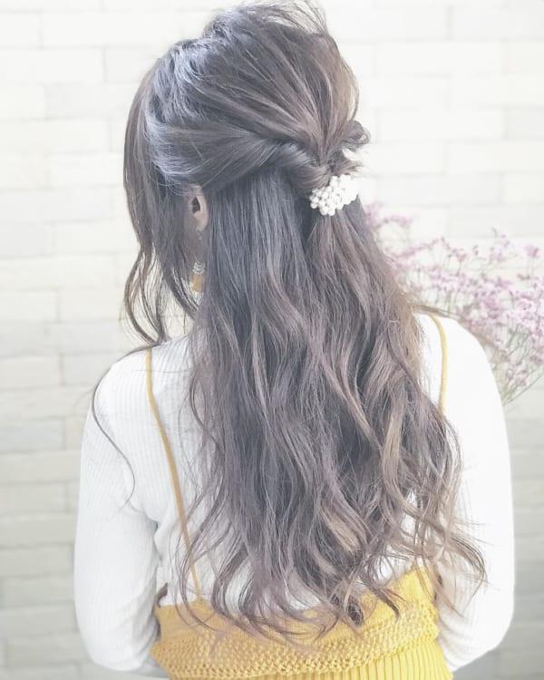 ロングヘアのまとめ髪③ハーフアップ
