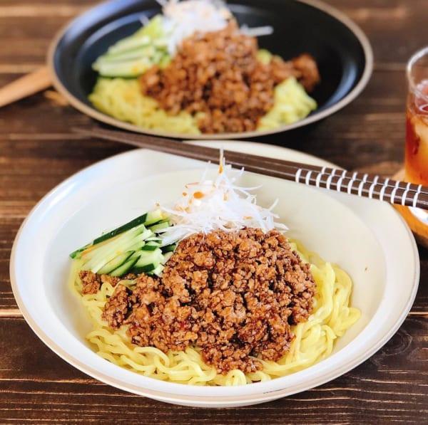 中国料理のジャージャー麵