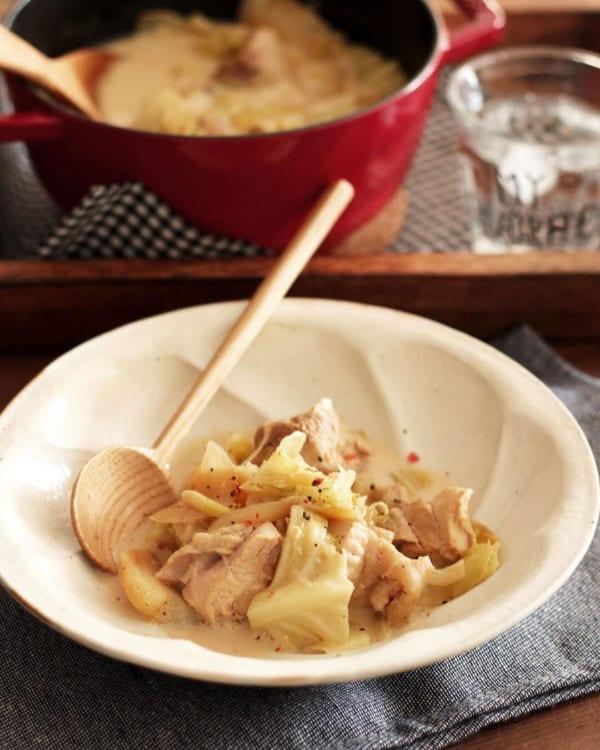 鶏肉とキャベツの味噌チーズポトフ