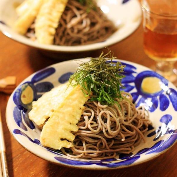 タケノコの天ぷらと日本そば
