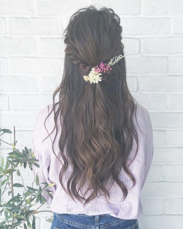 ロングヘアのまとめ髪③ハーフアップ5