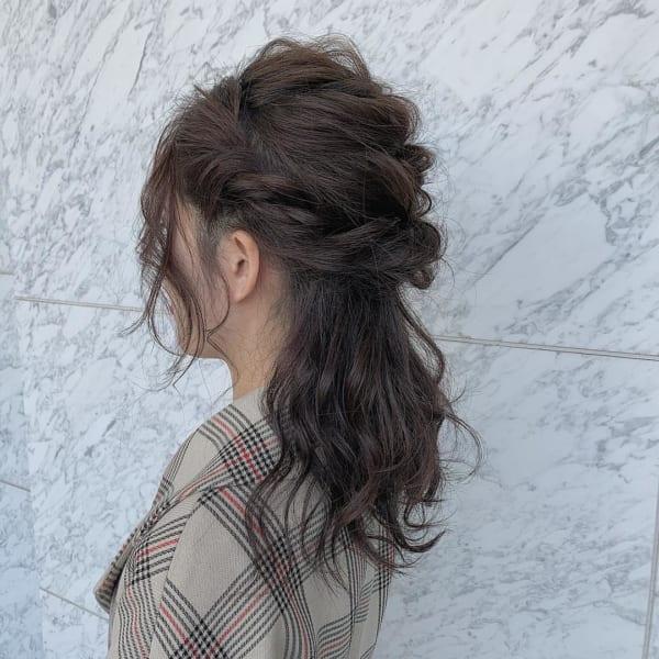 ロングヘアのまとめ髪③ハーフアップ6