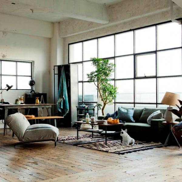 リビングの複数のソファを使うインテリア10