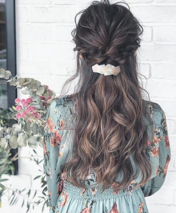 ロングヘアのまとめ髪③ハーフアップ7