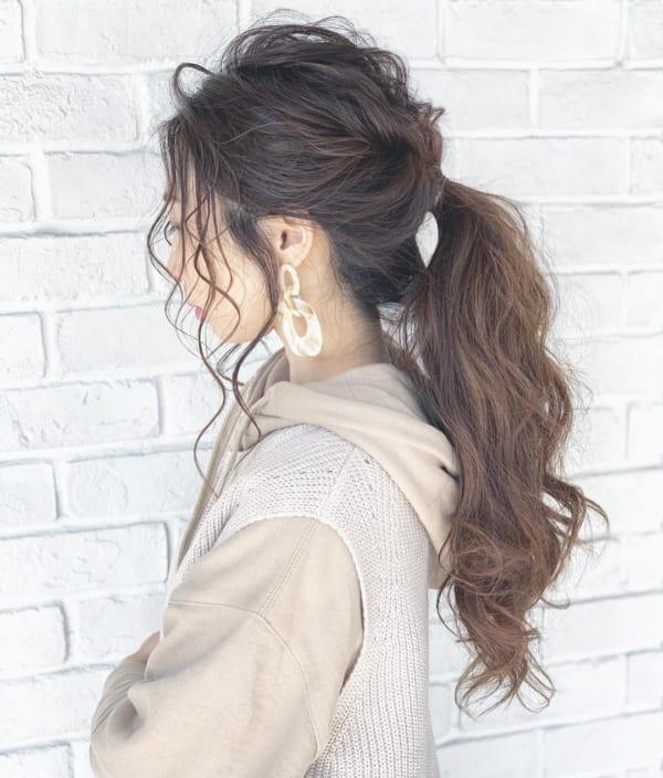 ロングヘアのまとめ髪①ポニーテール3