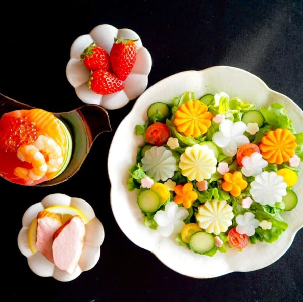 飾切り野菜のサラダ