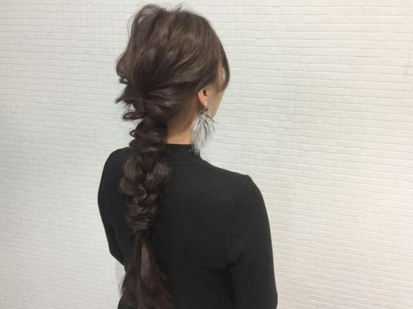 ロングヘアのまとめ髪④フィッシュボーン4