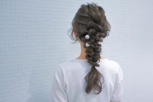 ロングヘアのまとめ髪④フィッシュボーン5