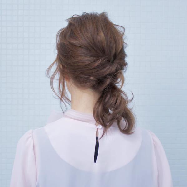 ミディアムのまとめ髪①ポニーテール3