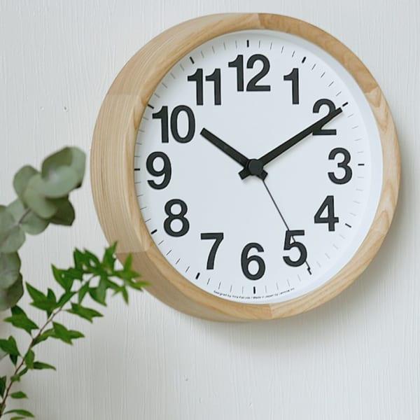 ウッドフレームの時計