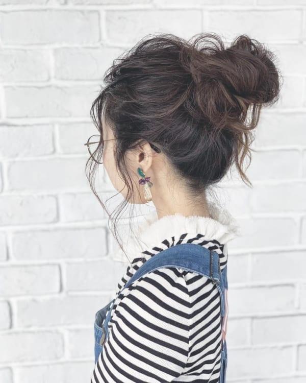 ロングヘアのまとめ髪⑤お団子2