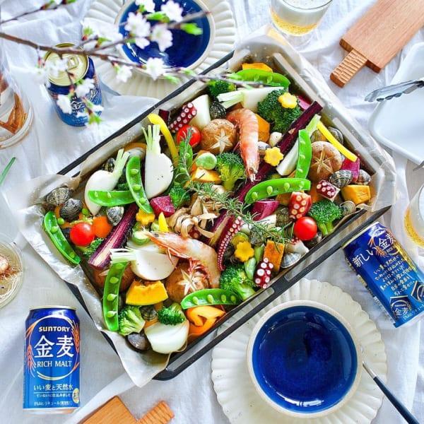 野菜と魚介のホットサラダ