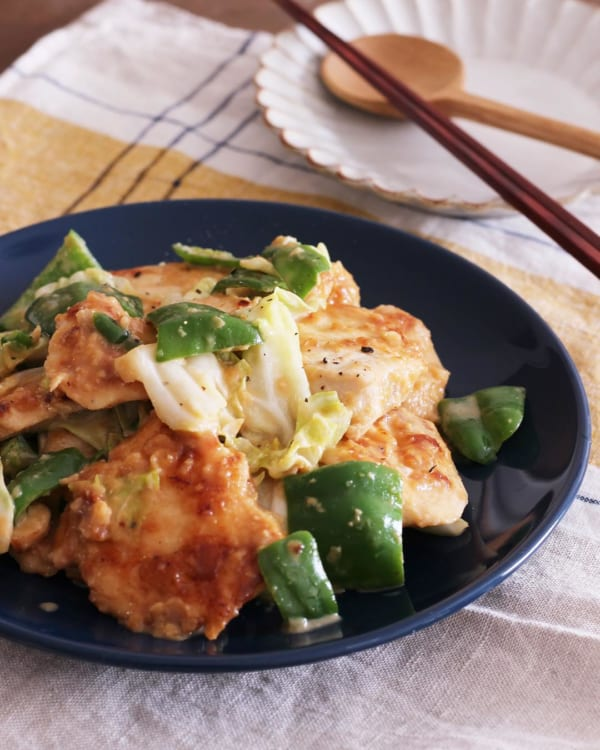 鶏むね肉とキャベツのコクうま味噌炒め